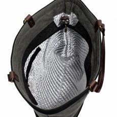 Torebka w stylu militarnym